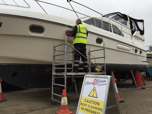Boat Compounding - CleanToGleam